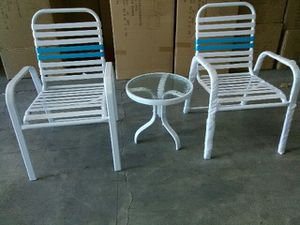 patio furniture 3pc porch set , two chairs and a drink table for Sale in Las Vegas, NV