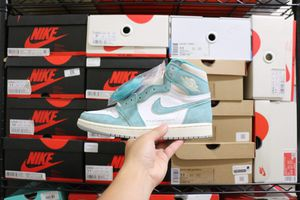 "Air Jordan 1 Retro High ""Turbo Green"" size 8.5, 9 for Sale in San Leandro, CA"