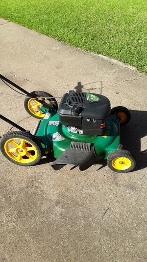 Weed Eater 4.75 hp push Lawn Mower for Sale in Missouri City, TX