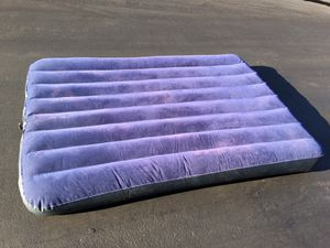 """Intex. 6ft. -51"""". Queen-size for Sale in Carmichael, CA"""