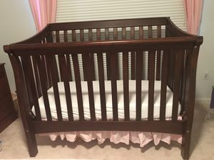 Solid wood Baby crib - Pottery barn Kids quality for Sale in Potomac, MD
