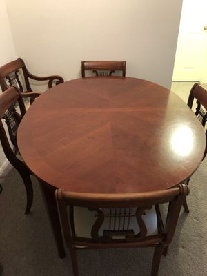 Rose Wood Table (Good Condition) with 6 chains (Good Condition) for Sale in Columbia, MD