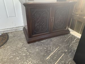 Small shelf/cabinet for Sale in Houston, TX