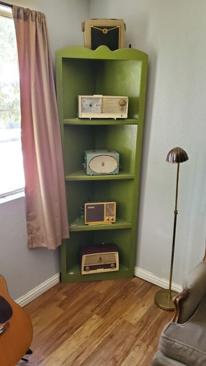 Vintage radios with corner shelf for Sale in Paramount, CA