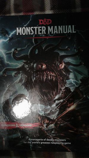 Selling 5th Edition Player and Monster Manuals (50 for both) for Sale in Colorado Springs, CO