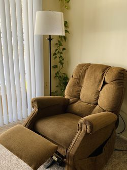 Sofa chair Recliner | Armchair for Sale in Sterling Heights,  MI