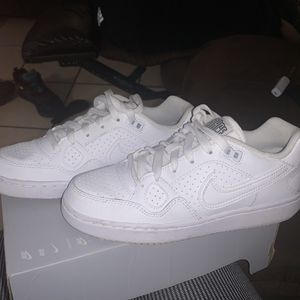 Nike white shoes for Sale in Pomona, CA