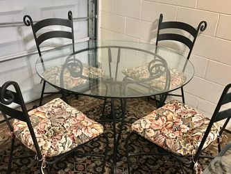 Vintage 5 Piece Iron Dining Room Table Set for Sale in Brandon,  FL