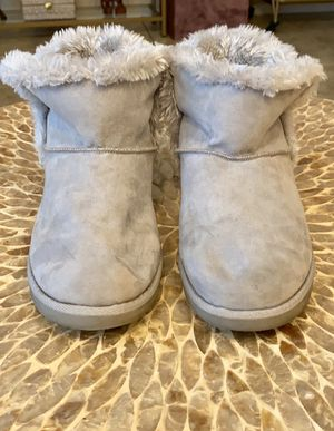 Kohl's So Hangout Fur Boots Size 9 for Sale in Laveen Village, AZ
