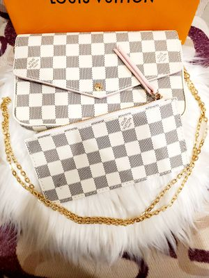 Beautiful Lady Crossbody Bag & Pouch/Wallet Set for Sale in Hanford, CA
