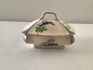 VINTAGE GRIMWADES ROYAL WINTON ENGLAND LIDDED CONTAINER for Sale in Cloudcroft, NM