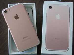 Apple iPhone 7, GSM Unlocked, 32GB - Rose Gold (Refurbished) for Sale in Portland, OR
