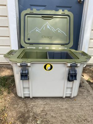 OtterBox Cooler Venture 45 for Sale in Denver, CO