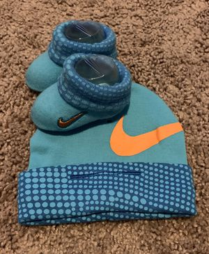 Baby hat and socks for Sale in Phoenix, AZ