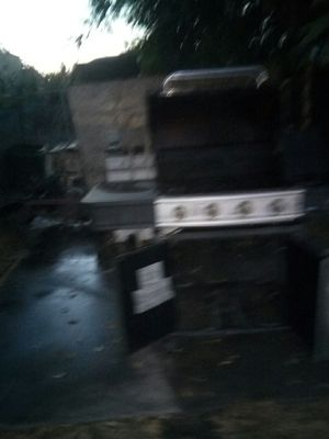 BBQ GRILL for Sale in San Bernardino, CA