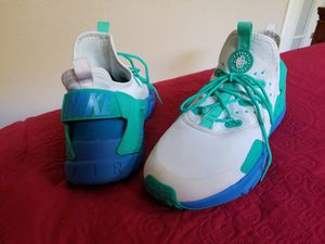 Nike aire shoes( men ) for Sale in Clovis, CA