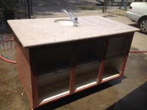 Kitchen cabinet with faucet for Sale in Fresno, CA