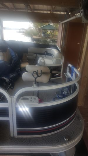 2013 bass buggy 18 deluxe pontoon for Sale in Tallahassee, FL