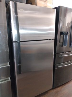 REFRIGERATOR TOP FREEZER STAINLESS STEEL for Sale in Imperial Beach, CA