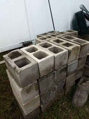 Free Cement blocks for Sale in Safety Harbor, FL