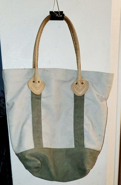 LL bean tote bag with pockets for Sale in Elk Grove,  CA
