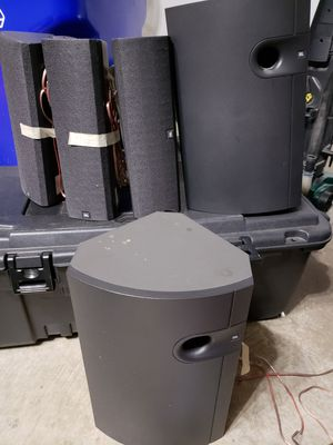 JBL 3 speakers and 2 bass for Sale in Herndon, VA