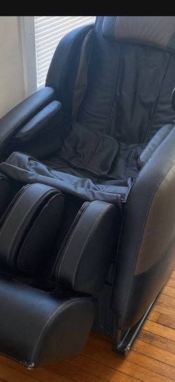 Brookstone Massage Chair 500$ for Sale in St. Petersburg,  FL