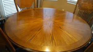 Dining table and bar stools. for Sale in Smoke Rise, GA