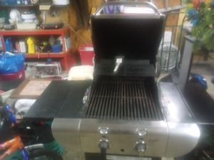 Char-Broil Commercial Tru Infared Grill for Sale in Robstown, TX