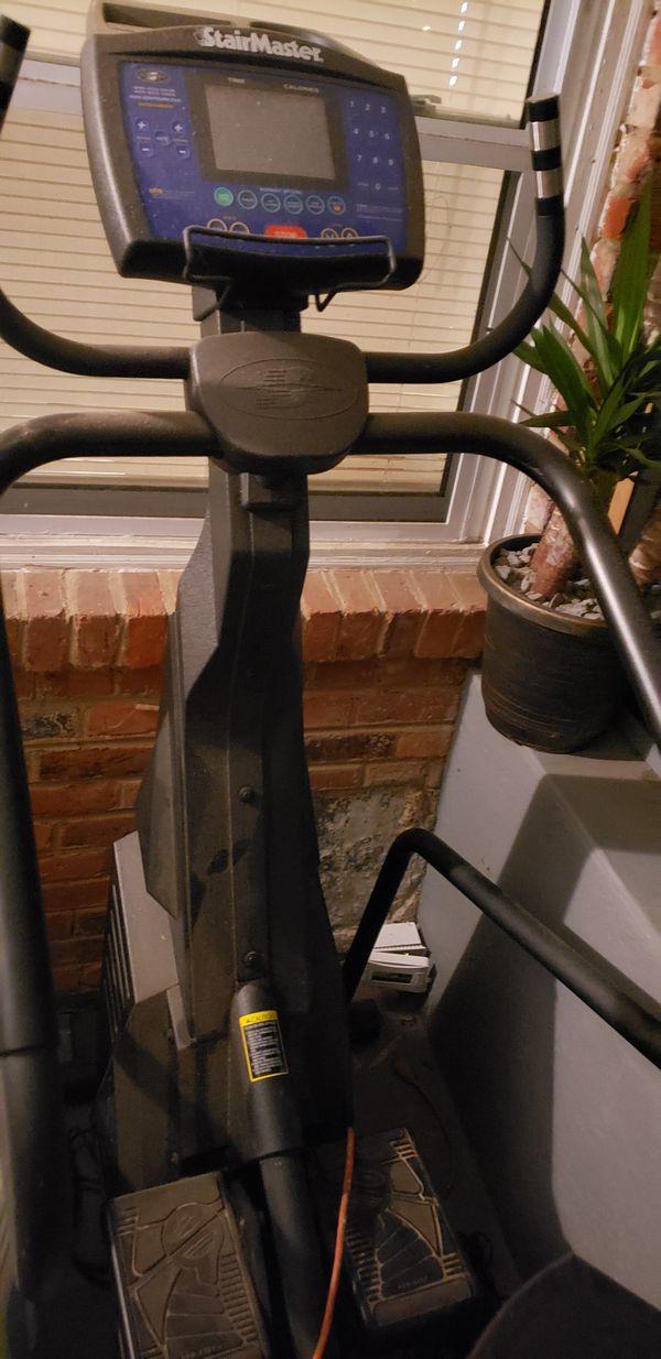 Maquina de pedaliar y ejercitar