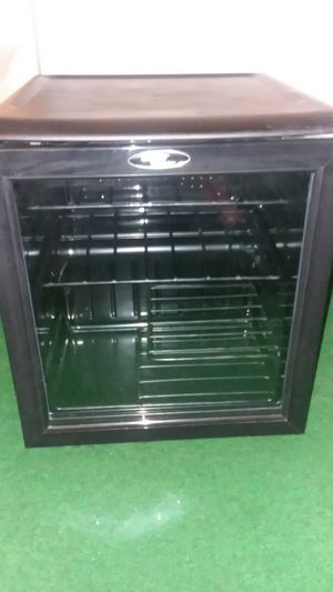 Danby wine fridge must go for Sale in Eldersburg, MD