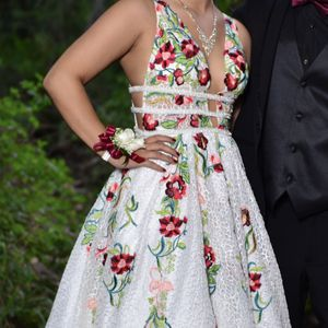 JOVANI Hand Embroidered White Dress for Sale in Spring Valley, CA