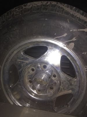 1 z71 Tahoe 99 to 00 tire and wheel for Sale in St. Louis, MO