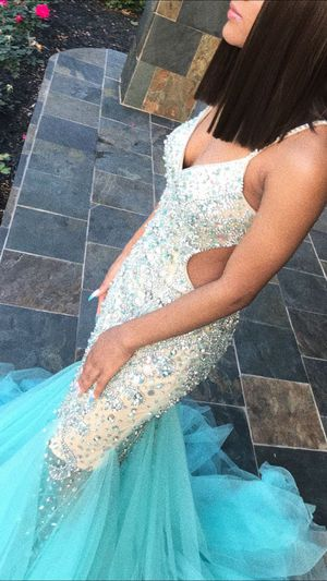 Prom dress ( is now 200 instead of 280) for Sale in The Woodlands, TX