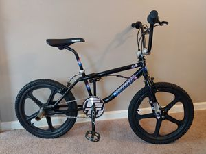 1997 Gt freestyle bike old school decals skyway mags for Sale in Valley View, OH
