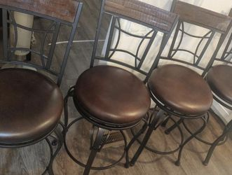Swiveling Bar Stools for Sale in Marietta,  GA