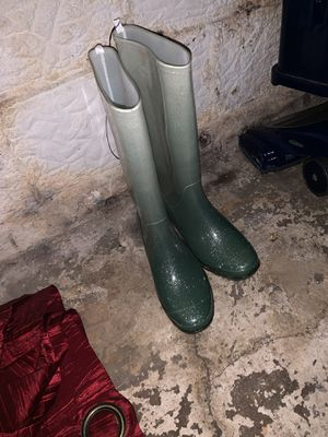 Rain boots size 7 for Sale in Columbus, OH