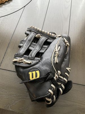 Baseball glove for Sale in Houston, TX