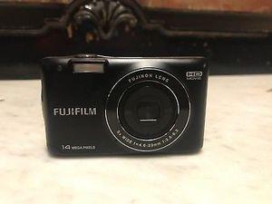 Fuji Fujifilm FinePix JX520 14MP Digital Camera w/5x Zoom for Sale in Atlanta, GA