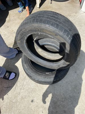 """2 17"""" tires for Sale in Reedley, CA"""