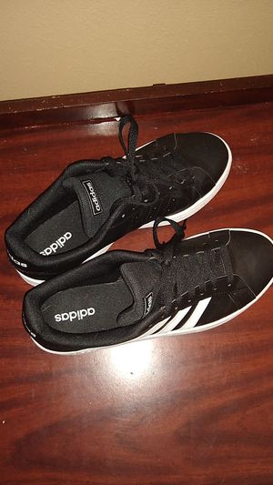 Adidas men's size 10 for Sale in Linthicum Heights, MD
