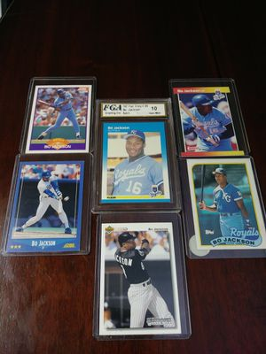 Bo Jackson lot with gem 10 rookie for Sale in Saint Joseph, MO