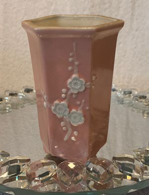 ORIG. VINTAGE ANTIQUE Art Deco Pink Hex/Hexagon Footed Dogwood Pottery Vase. for Sale in San Diego, CA