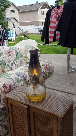 Antique kerosene Glass Lamp for Sale in Glenwood, OR