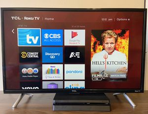 TCL LED TV 32-Inch 720p with Roku Smart (32S305); MUST GO by 8/17/20 for Sale in Chicago, IL