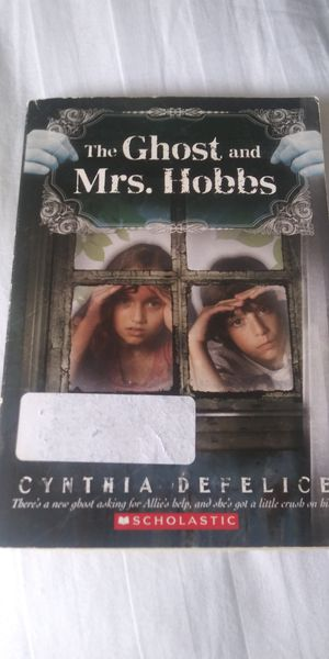 The Ghost and Mrs. Hobbs by Cynthia Defelice for Sale in NEW PRT RCHY, FL