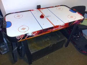 Air hockey table for Sale in Everett, WA