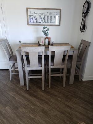 Kitchen table for Sale in Smithtown, NY
