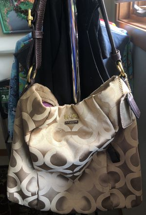 COACH hobo purse - camel/tan/gold for Sale in Austin, TX