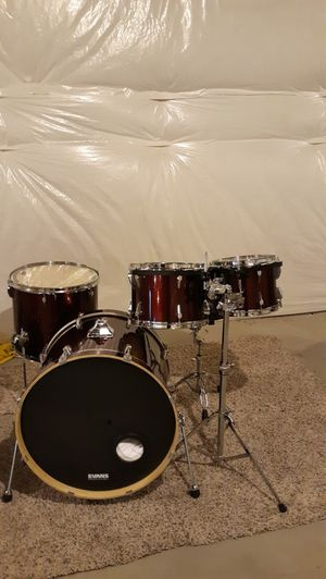 Tama Rockstar Shell Pack With Double Bass Pedal! for Sale in Denver, CO